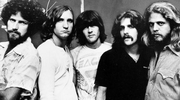 Eagles (Band) VIDEO 1975–1977: Major success with Hotel California .